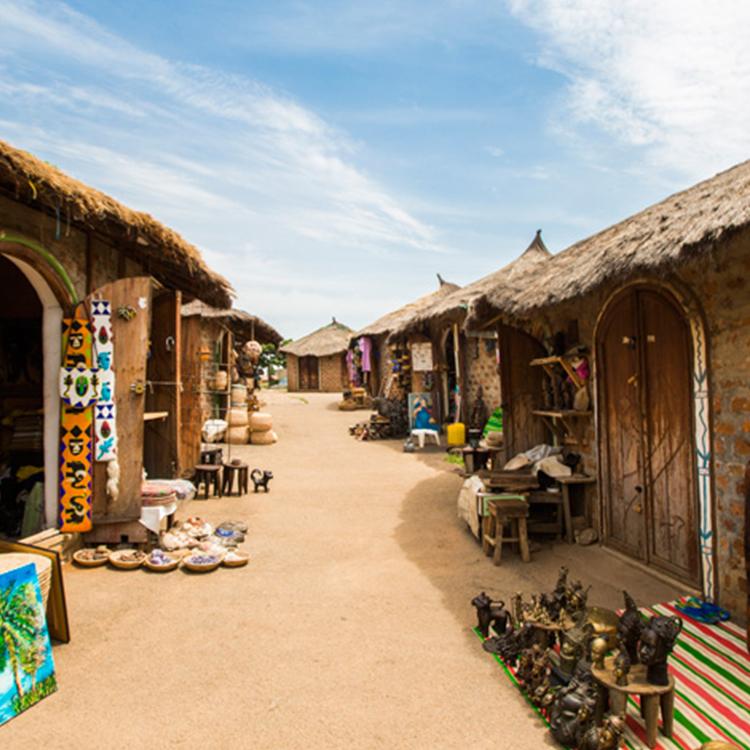 Lady-Kwali-pottery-hotels.ng